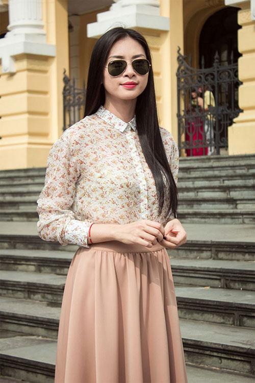 7 cách mặc sơmi cuốn hút học từ kiều nữ Việt - Hình 17