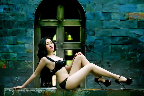 Sửng sốt với loạt ảnh nội y của hot girl Huỳnh Thuý Anh ca si 2