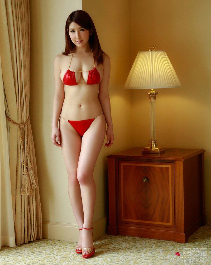 Arisa, áo ngực màu đỏ chứng tỏ rất dâm me ghe 4
