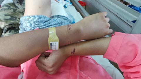 2 giờ hoảng loạn của thanh niên bị nhà bạn gái đánh vu to 2