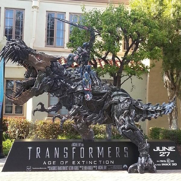 30 triệu người mê tít Transformers: Age of Extinction - Hình 2