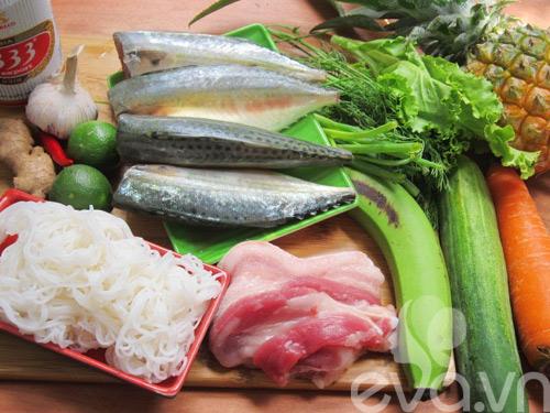 Cá hấp cuốn bún và rau củ - Hình 1
