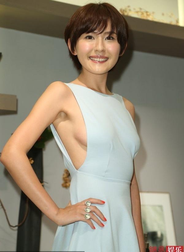 Tân giai nhân màn ảnh Hoa ngữ khéo léo khoe ngực - Hình 1