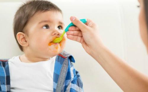 Muốn con thích rau, hãy tập cho bé ăn trước 2 tuổi - Hình 1