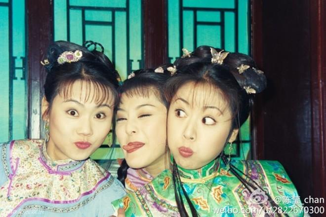 Sao Hoàn Châu Cách Cách khoe ảnh hậu trường vui nhộn - Hình 1
