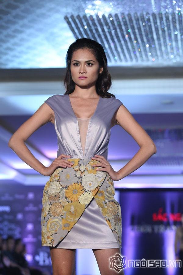 Mẫu Việt đẹp gợi cảm với đầm cổ điển - Hình 18
