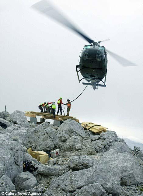 Khách sạn miễn phí trên đỉnh núi hơn 2.500m - Hình 5
