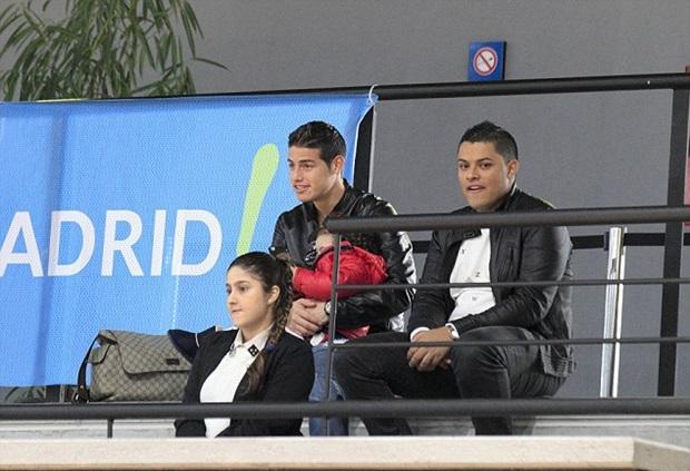 Điểm tin hậu trường 26/01: Balotelli đá dở vì thiếu gái