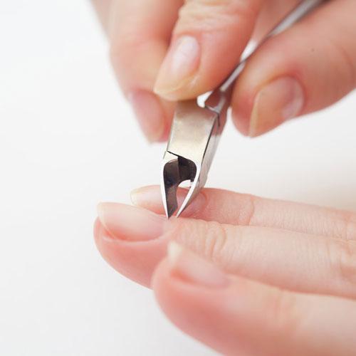 5 lỗi thường gặp khi chăm sóc móng tay - Hình 1