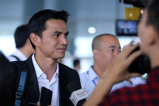 HLV Kiatisuk nhiều cảm xúc ngày trở lại Việt Nam - Hình 1