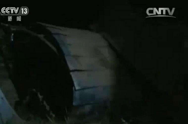 Hỏng động cơ, tiêm kích J-10 Trung Quốc lao xuống đất - Hình 2