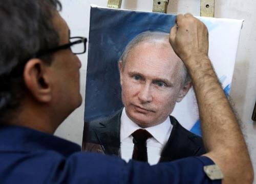 Không kích Syria, Putin hóa thần tượng tại Trung Đông - Hình 2