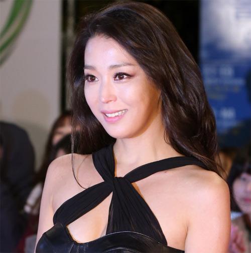 Mỹ nhân Hàn 41 tuổi vẫn trẻ đẹp như thiếu nữ - Hình 1