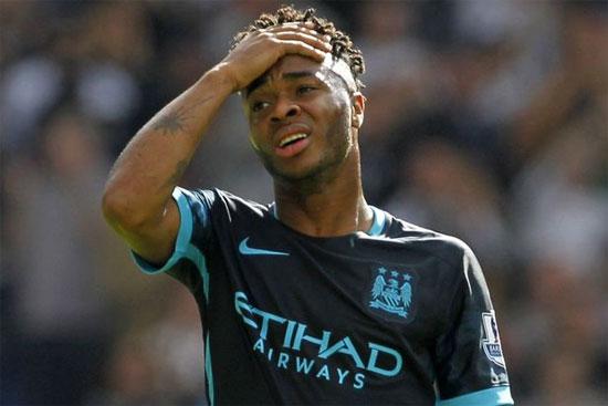 Sterling hút shisha sau trận thắng của tuyển Anh - Hình 1