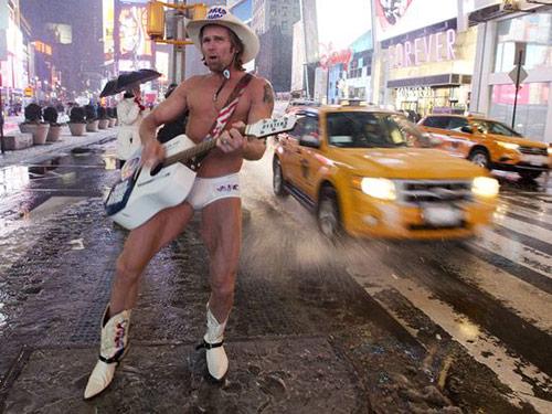 Dịch vụ chụp ảnh với gái khỏa thân nở rộ ở New York - Hình 3