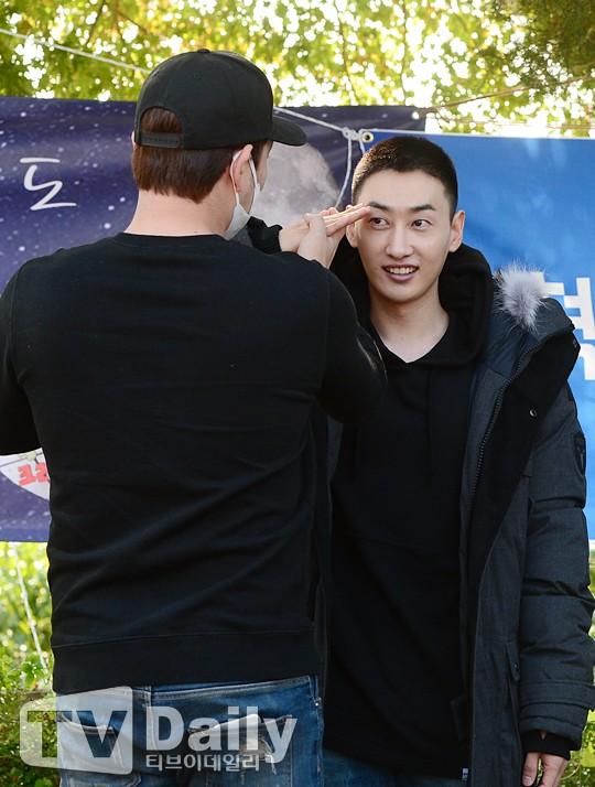 Eun Hyuk của Super Junior rơi nước mắt ngày nhập ngũ - Hình 4