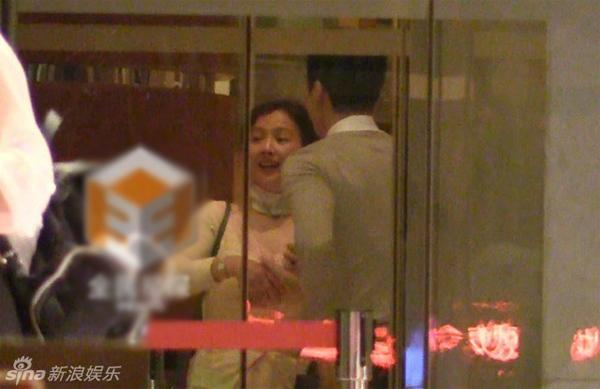 Song Seung Hun được lòng mẹ vợ tương lai - Hình 1