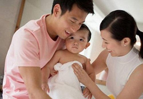 Vợ có con với anh trai ruột, chồng mừng vui - Hình 1