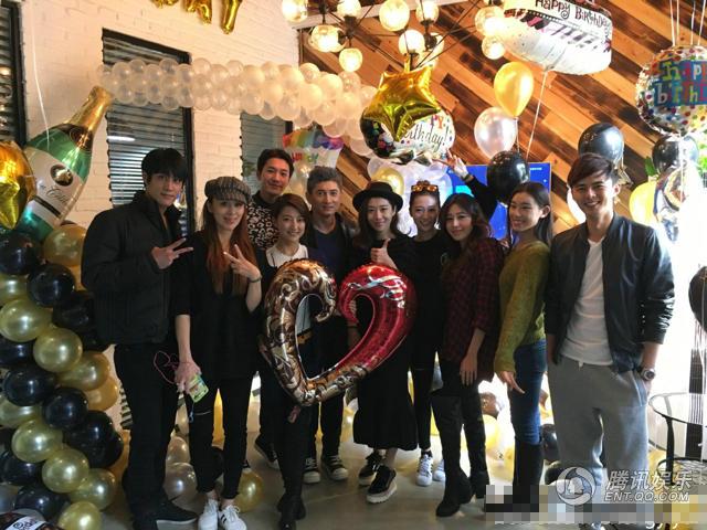 Lưu Thi Thi tổ chức sinh nhật ngọt ngào cho Ngô Kỳ Long - Hình 1