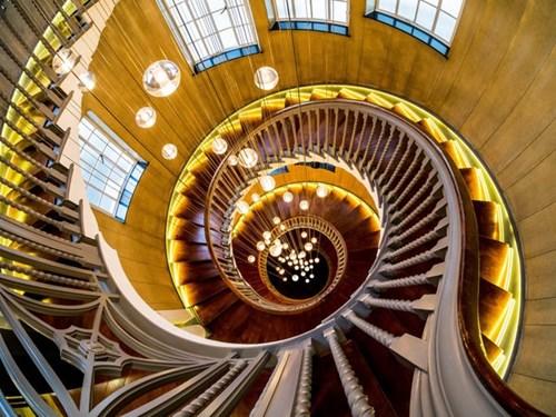 Những cầu thang đẹp nhất thế giới - Hình 1