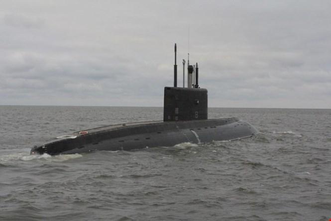 Nga điều tàu ngầm Kilo tới gần bờ biển Syria - Hình 1
