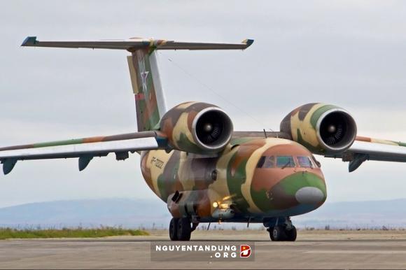 Vì sao vận tải cơ quân sự hạng trung ít sử dụng động cơ phản lực? - Hình 1
