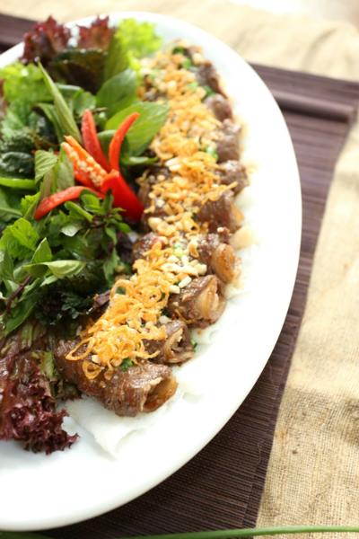 10 món ăn Việt hấp dẫn du khách - Hình 2
