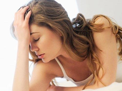 Áo ngực của cô bạn thân rơi trên giường vợ chồng tôi - Hình 1