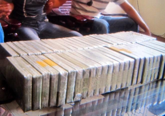 Bắt đối tượng vận chuyển 156 bánh heroin - Hình 1