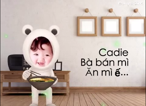 Clip Bà bán mỳ siêu dễ thương của con gái Elly Trần - Hình 1