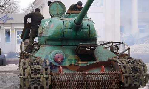 Ly khai Ukraine khôi phục xe tăng T-34 huyền thoại - Hình 1