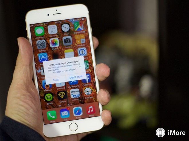 Mã độc mới trên iPhone tự cài phần mềm ăn cắp danh bạ, ảnh - Hình 2