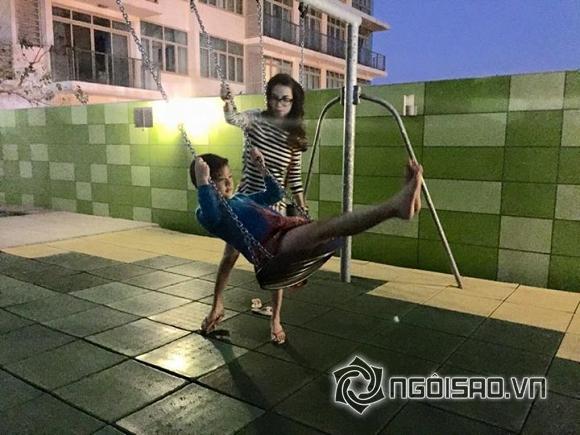 Trương Ngọc Ánh hồi teen bên con gái - Hình 1