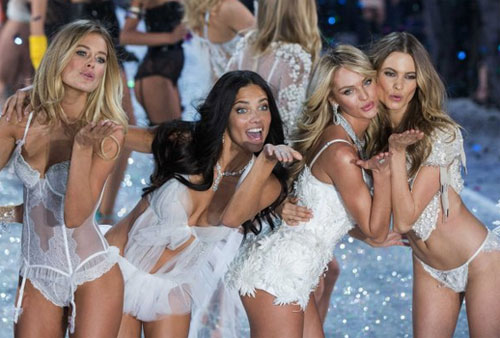 Victorias Secret đứng trước áp lực phải tăng size đồ lót - Hình 1