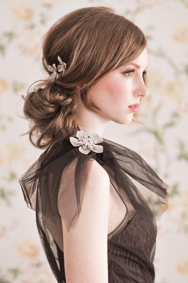6 kiểu tóc buông dài giúp cô dâu thêm quyến rũ - Hình 8