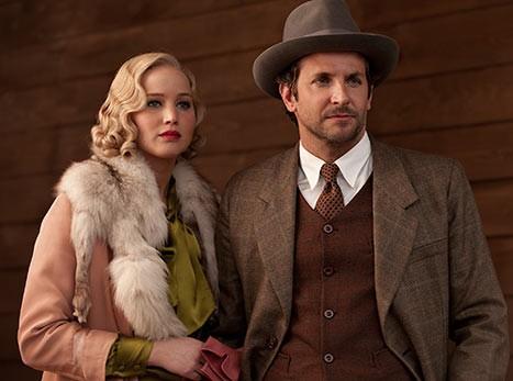 Jennifer Lawrence trêu đùa Bradley khi đóng cảnh nóng - Hình 1