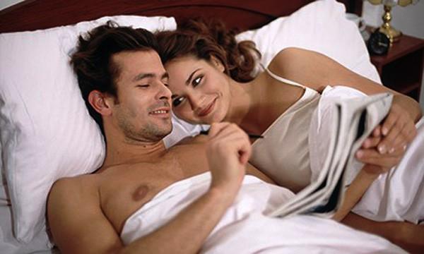 Ngã ngửa khi biết bí mật khiến 10 năm qua chồng giả vờ bị bất lực - Hình 1