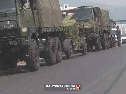 Tập đoàn quân 14 rầm rộ kéo trọng pháo ra biên giới giáp Myanmar tập trận - Hình 1