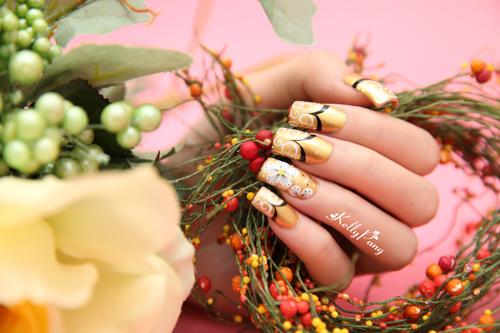 Vẽ móng hoa nữ tính cho đôi tay - Hình 1