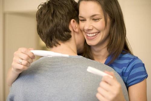 Muốn có thai, &'yêu' thế nào để trăm phát trăm trúng - Hình 1