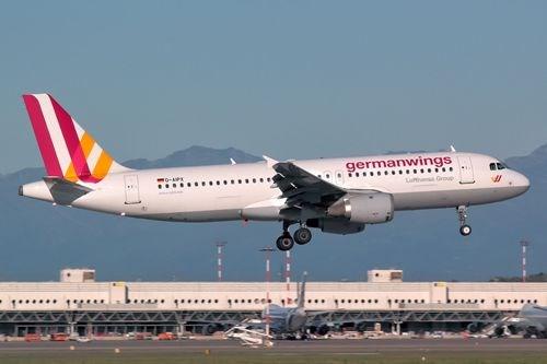 Truy lùng kẻ đùa cợt nạn nhân rơi máy bay ở Pháp - Hình 1