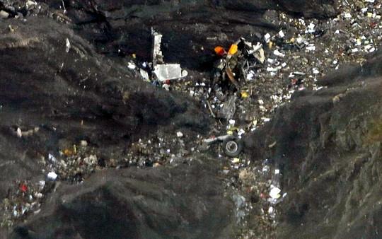 Xác định danh tính nạn nhân máy bay A320 phải mất vài tuần - Hình 1