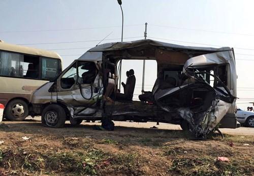 Bắt giam tài xế xe cẩu gây tai nạn khiến 5 người tử vong - Hình 1