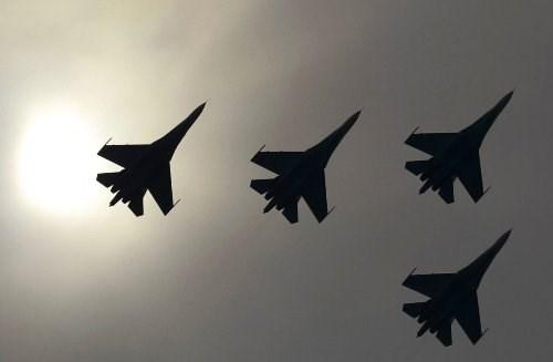 Chiến đấu cơ Nga suýt va chạm với máy bay do thám Mỹ - Hình 1
