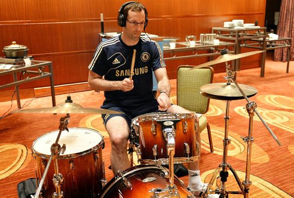 Petr Cech tìm vui trong âm nhạc - Hình 1