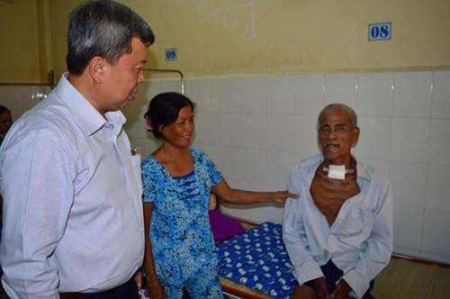 Cứu sống 2 bệnh nhân bị uốn ván nguy kịch - Hình 1
