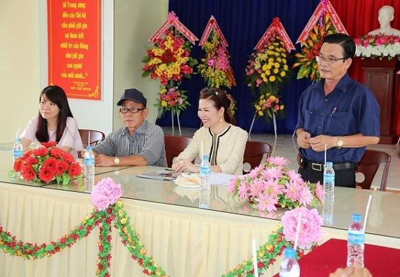 Hoa hậu Bùi Thị Hà mang tấm lòng vàng đến miền Tây Bạc Liêu
