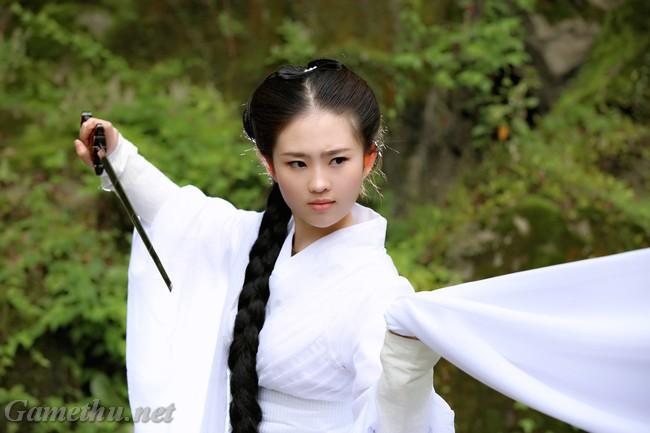 Chị em sinh đôi của Lưu Diệc Phi tiếp tục hút hồn game thủ - Hình 3