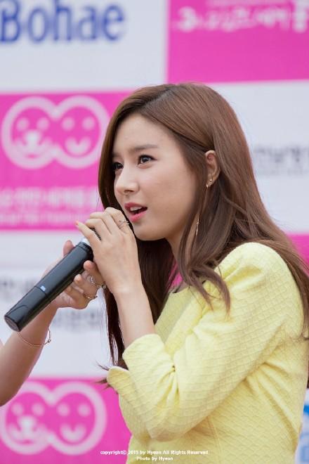 Kim So Eun đẹp thanh khiết, đè bẹp nhan sắc loạt sao trên thảm đỏ
