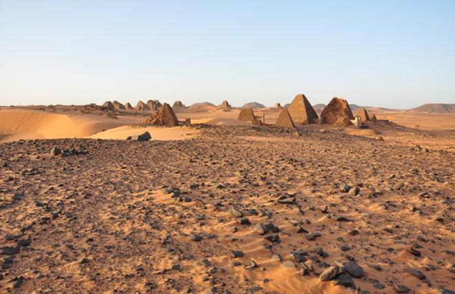 Quần thể kim tự tháp bị lãng quên ở Sudan - Hình 1